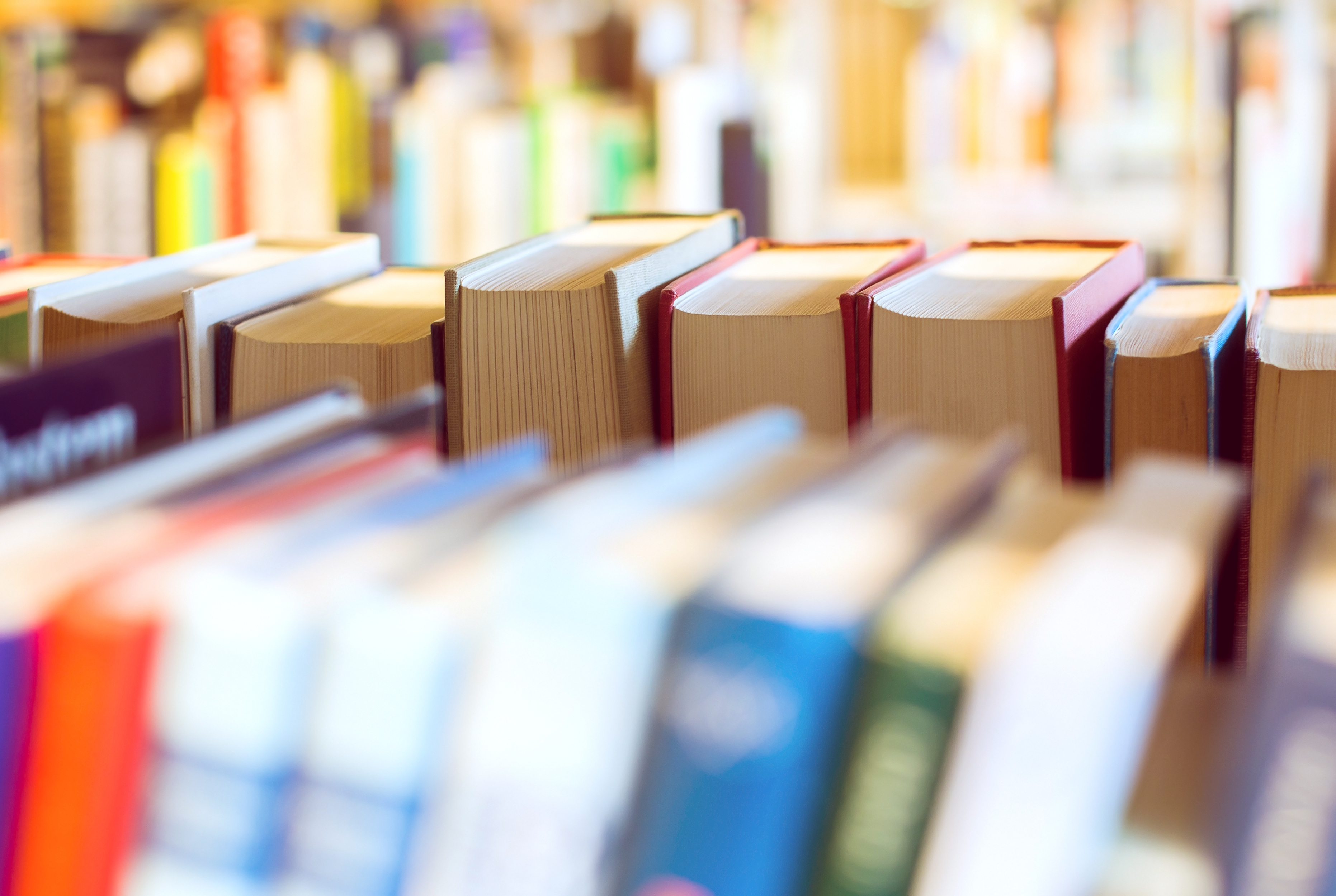 """Riprende la scuola: come affrontare il """"caro libri"""""""